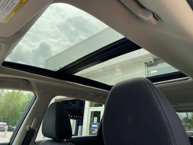 Nissan Rogue 2014 Sunroof from inside